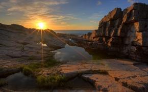 Picture sea, the sun, rays, sunset, stones, rocks