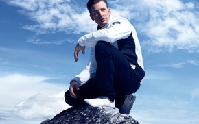 Picture 2015, brand, jacket, Chris Evans, Fila, actor, sneakers, Chris Evans, clouds, the sky, photoshoot, sports, ...