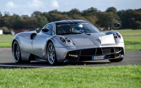 Picture supercar, Pagani, racing track, the front, Stig, The Stig, Pagani, To huayr, Wire