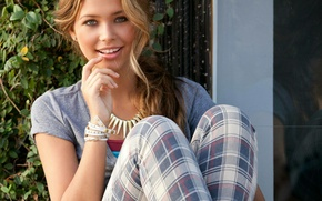 Wallpaper eyes, look, face, smile, model, hair, beautiful, fun, Sandra Kubicka