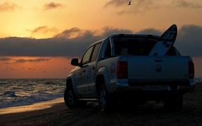 Picture sea, beach, seagulls, pickup