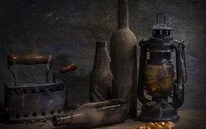 Picture lamp, dust, bottle, antiquity, iron, In the cellar