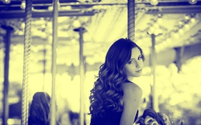 Picture girl, carousel