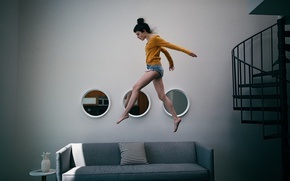 Picture girl, interior, running, by air