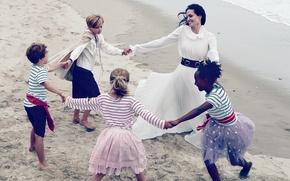 Picture sand, sea, children, shore, dress, actress, brunette, Angelina Jolie, Angelina Jolie, in white, fun, Vogue, …