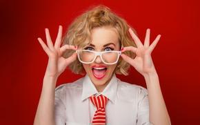 Wallpaper look, glasses, lips, blonde