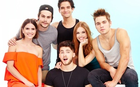 Picture the series, actors, Teen Wolf, Tyler Posey, Dylan O'Brien, Holland Roden, Cody Christian, Shelley Hennig, …
