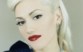 Picture look, decoration, face, hair, makeup, hairstyle, blonde, red lips, Gwen Stefani