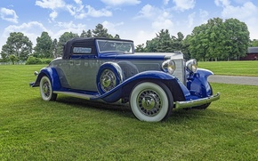 Picture retro, classic, 1932 Marmon Twelve Roadster