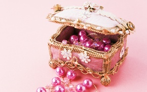 Picture decoration, pink, box, beads, thread, chest