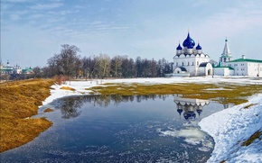 Picture river, temple, Suzdal