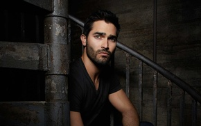 Picture actor, male, sitting, Tyler Hoechlin