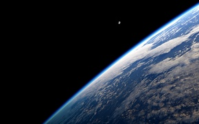 Picture space, The moon, Earth