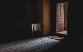 Picture light, room, the door