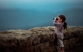 Picture girl, binoculars, bokeh, Faraway
