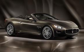 Picture Maserati, exhibition, dark green