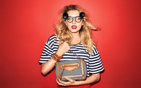 Picture look, model, glasses, blonde, bag, lily donaldson