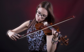 Picture girl, music, violin