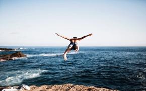 Wallpaper sea, jump, guy