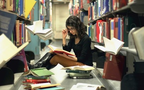 Picture girl, books, library