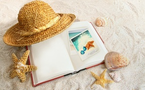 Picture sand, hat, book, shell, starfish