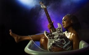 Picture guitar, bath, Artist, MALINA MOYE