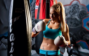 Picture boxing, blonde, training, athletic wear
