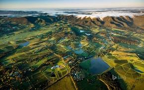 Picture Australia, New South Wales, Wine country near Pokolbin in the Hunter Region
