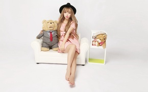 Picture girl, mood, toy, hat, bear