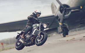 Picture the plane, green, Yamaha, moto, style, sport classic, XSR
