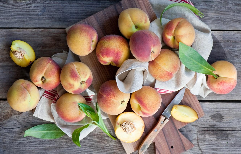 Photo wallpaper towel, knife, peaches