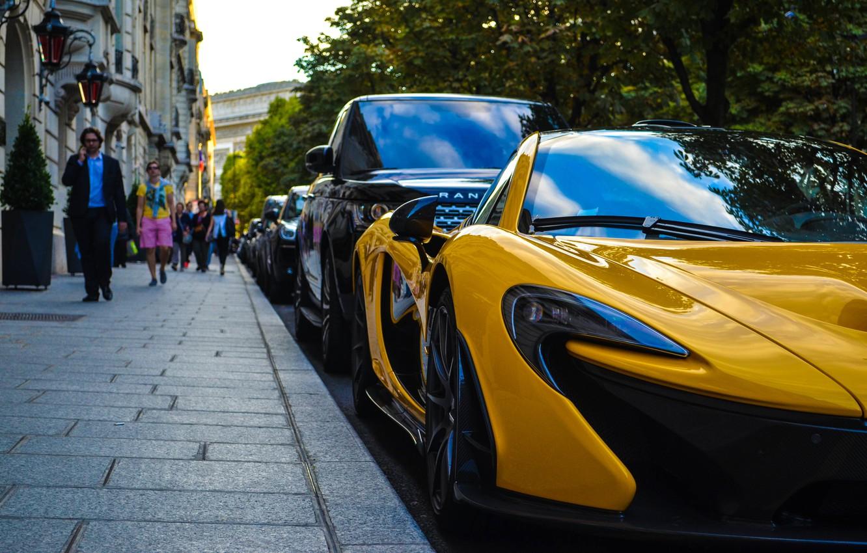 Photo wallpaper McLaren, Paris, Car, Sunset, Yellow, People, SuperCar