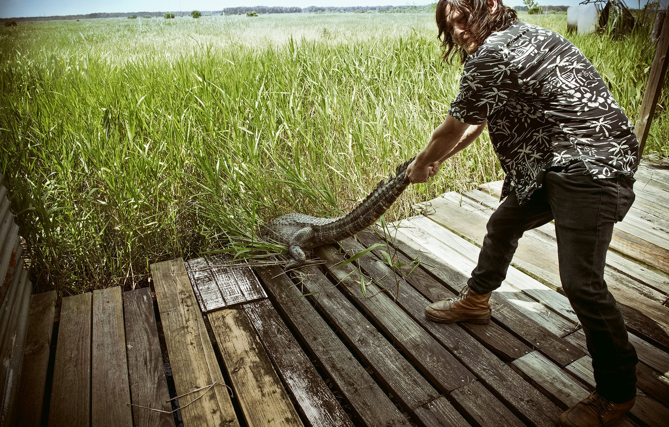 Photo wallpaper grass, photo, Board, the situation, crocodile, tail, actor, bridges, Norman Reedus, Norman Reedus, Michael Muller, …