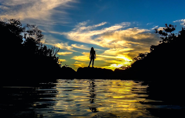 Photo wallpaper water, girl, sunset, silhouette