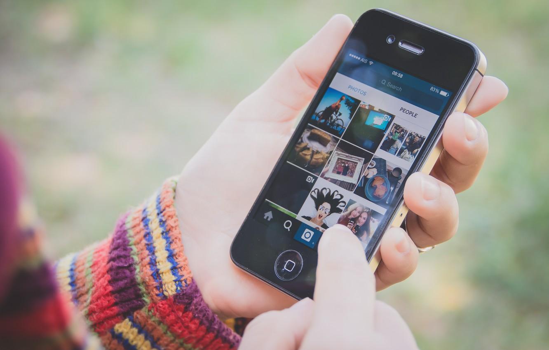 Photo wallpaper hands, phone, instagram