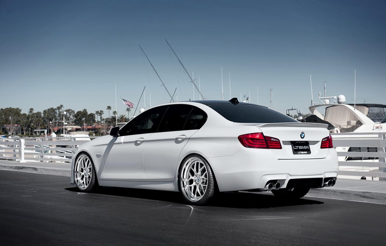 Photo wallpaper BMW, yachts, BMW, pier, white, white, the rear part, F10, 5 Series