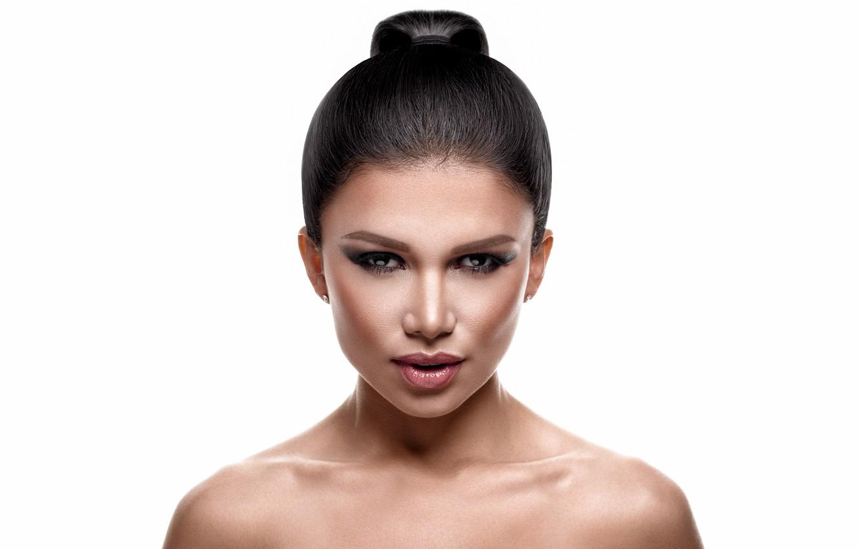 Photo wallpaper eyes, look, girl, face, hair, makeup, lips, shoulders, Luz