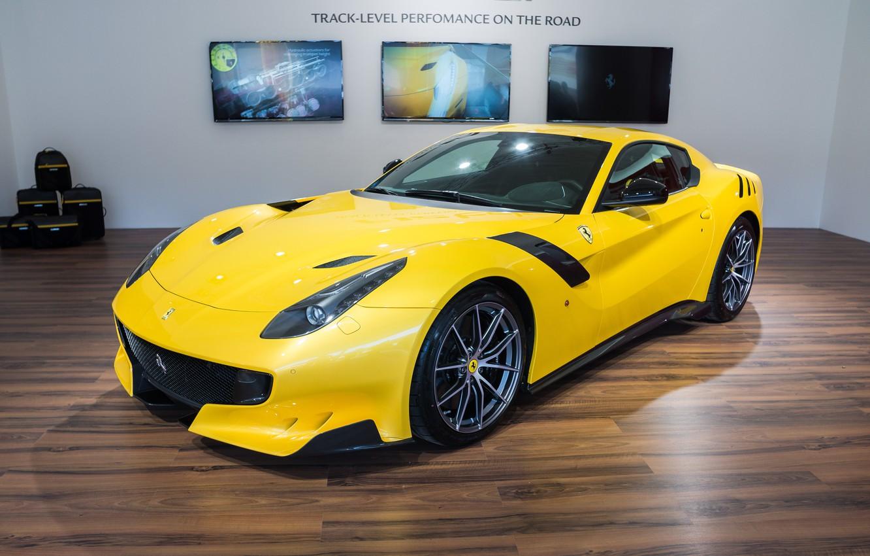 Photo wallpaper Ferrari, yellow, room, F12, tdf