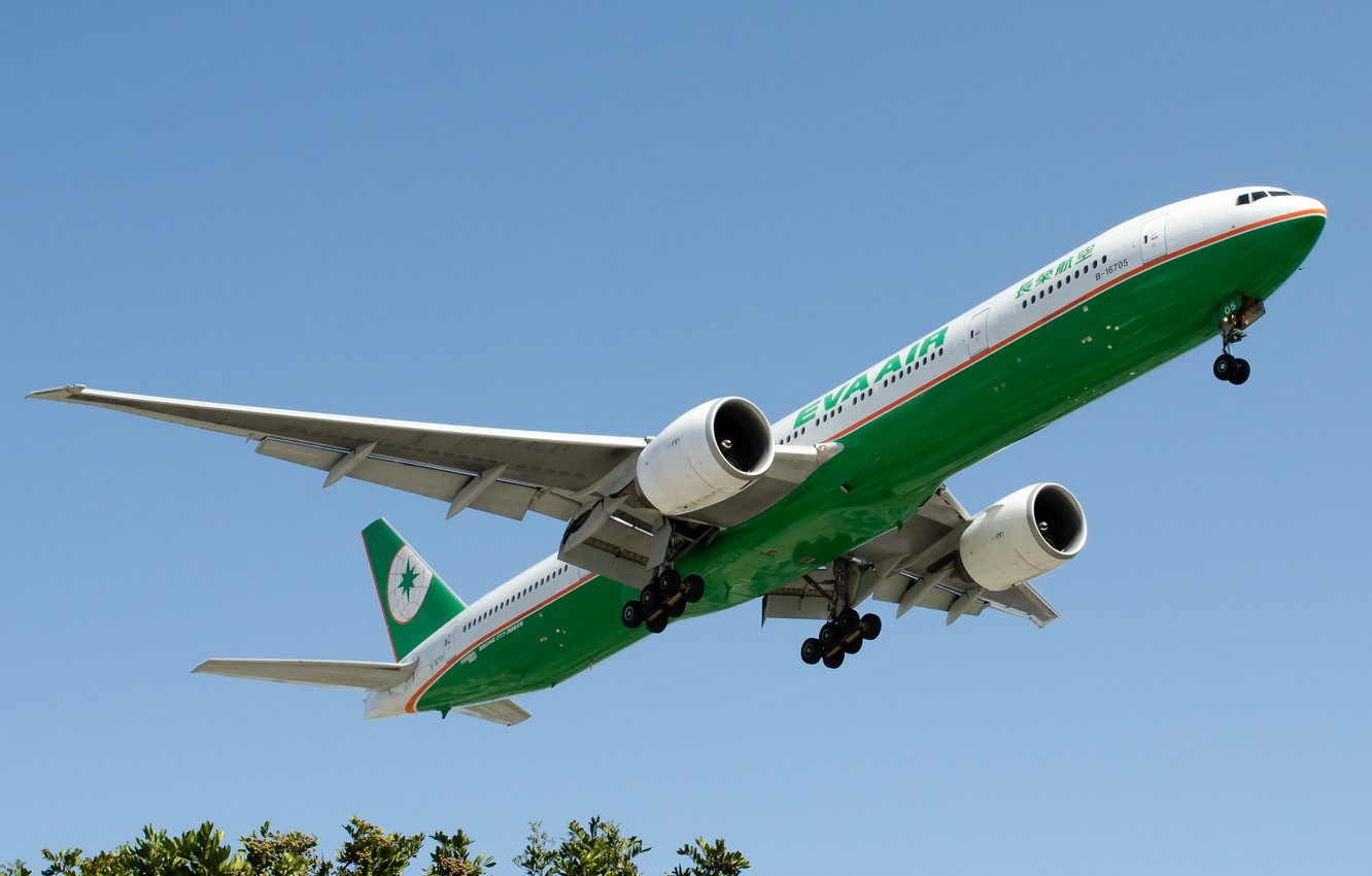 Photo wallpaper The sky, Trees, Summer, Boeing, Flight, Sky, aircraft, Boeing, 300, 777, Flying, The plane, Landing, …