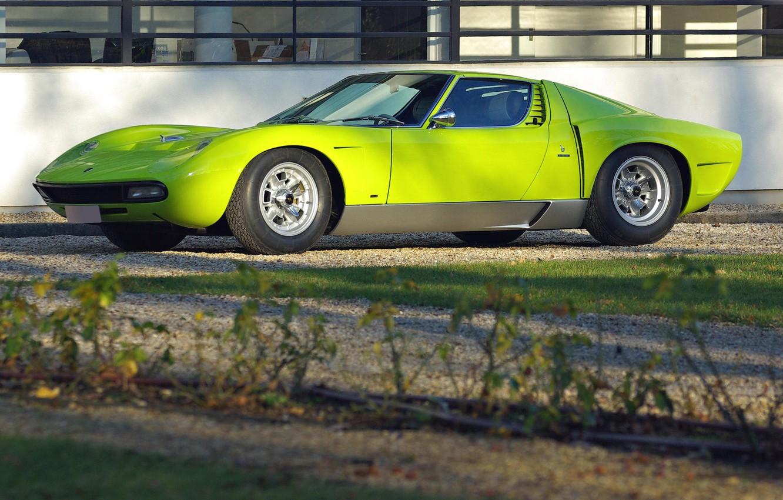 Photo wallpaper the building, side view, green, Lamborghini, Miura, Lamborghini Miura