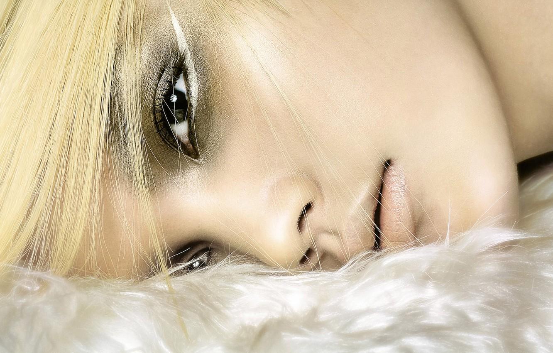 Photo wallpaper eyes, look, girl, face, hair, makeup, blonde, lies, neck