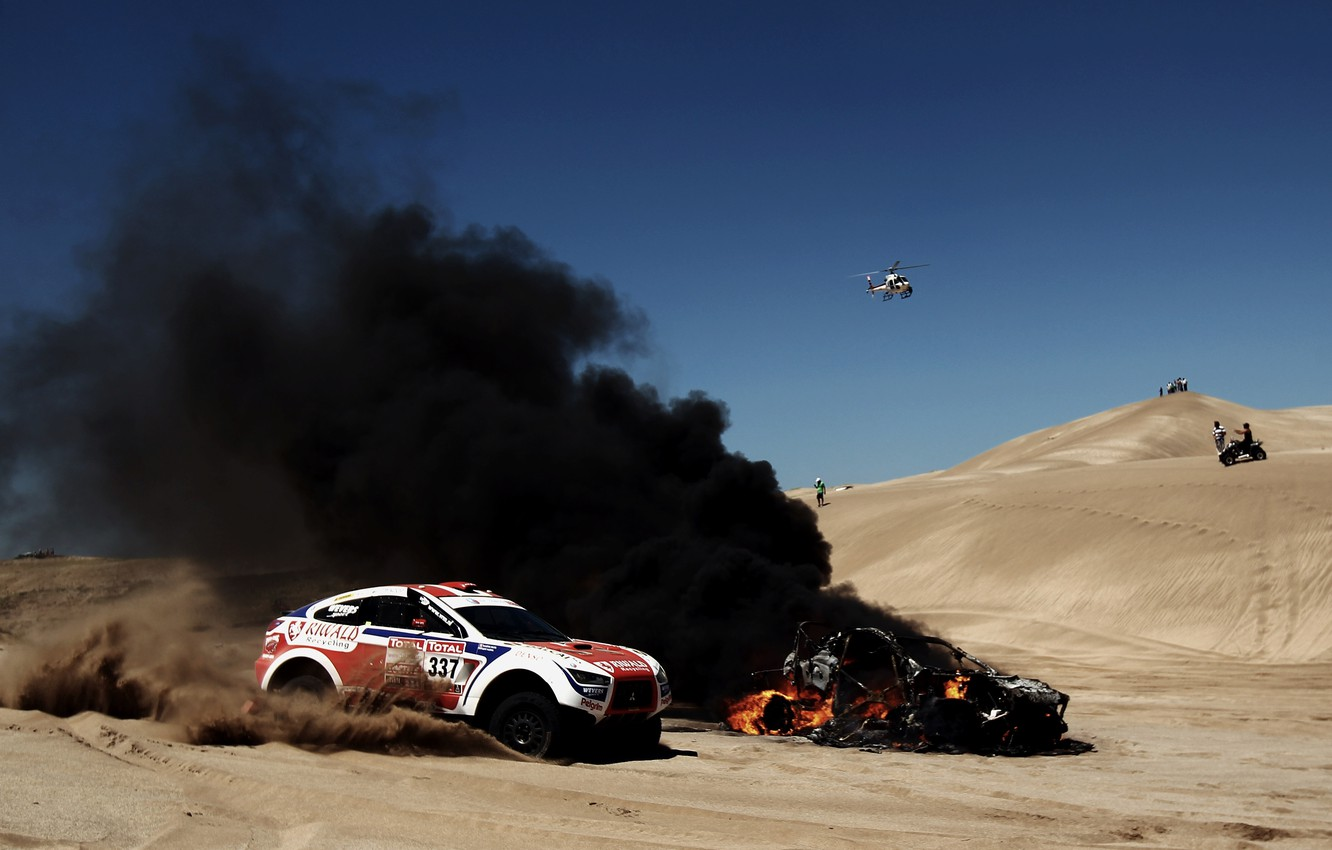 Photo wallpaper Sand, Auto, Smoke, Fire, Sport, Desert, Machine, Helicopter, Race, Day, Mitsubishi, Flame, Heat, Rally, Dakar, …