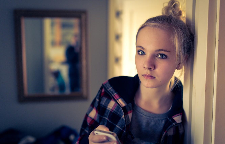Photo wallpaper look, portrait, iphone, teen girl