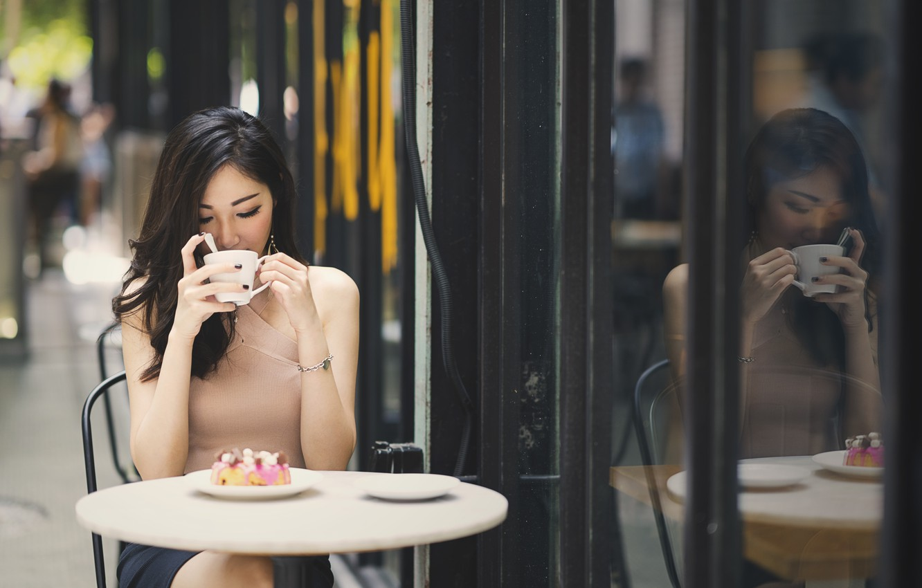 Photo wallpaper girl, face, hair, plate, cafe, beauty, table, sweet