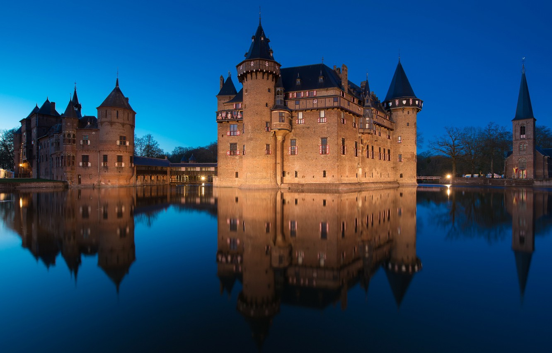 Night Reflection Castle Lighting