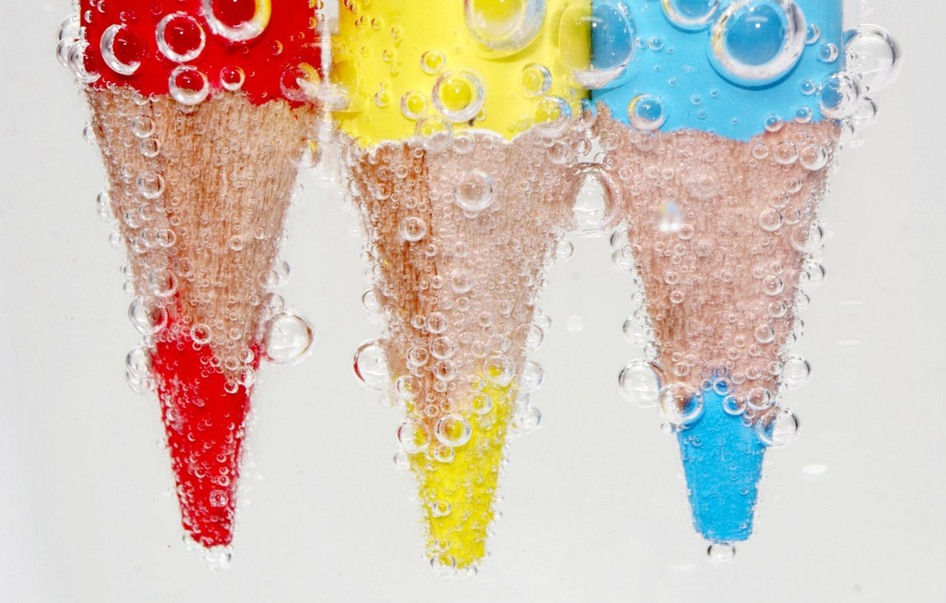 Photo wallpaper water, yellow, red, bubbles, blue, pencils