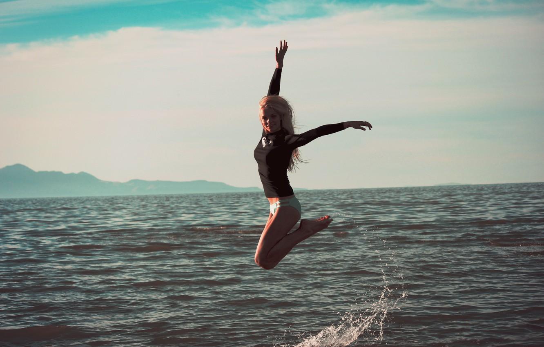 Photo wallpaper sea, girl, squirt, jump, figure