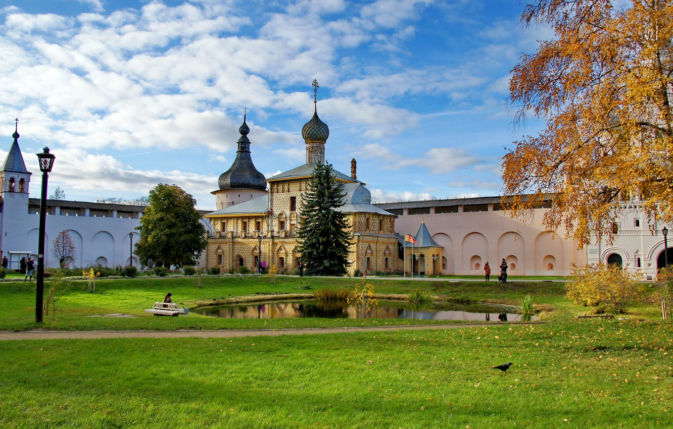 Photo wallpaper grass, the city, pond, photo, Cathedral, temple, Russia, the monastery, Rostov, The Great Kremlin
