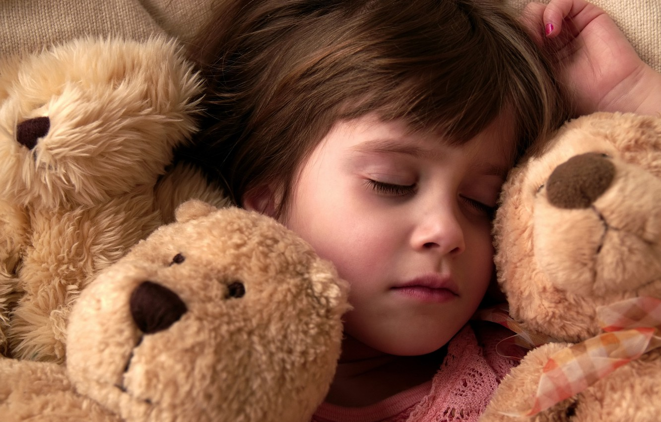 Photo wallpaper night, children, situation, mood, stay, mood, girls, toys, bed, sleep, the situation, bears, girl, pillow, …
