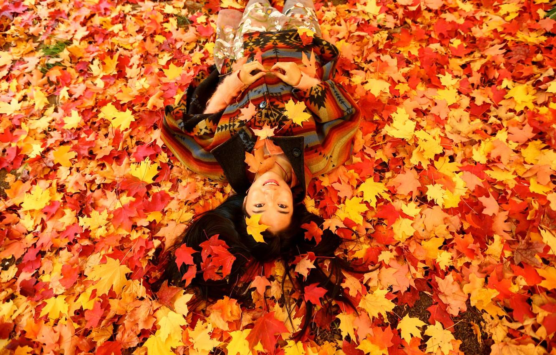 Photo wallpaper autumn, leaves, girl, Asian